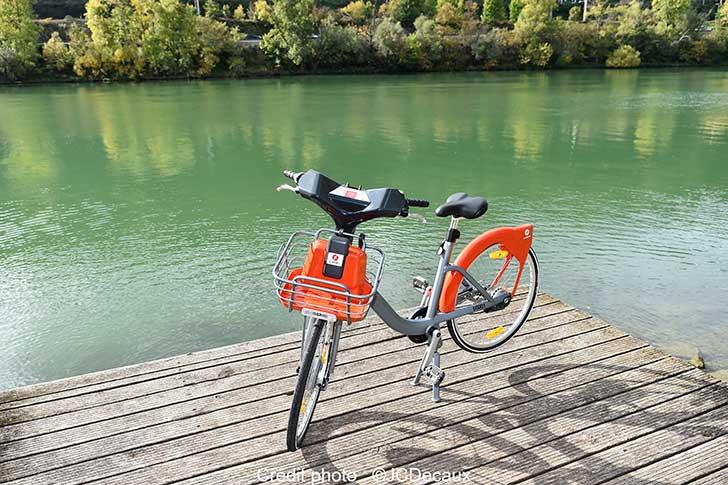 Photo of JCDecaux et la Métropole de Lyon présentent le nouveau service e-Vélo'v