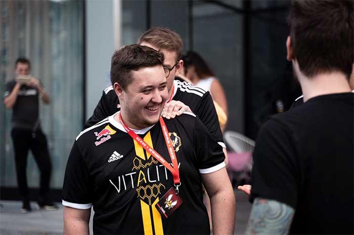 """Photo of Mathieu """"ZywOo"""" Herbaut est élu meilleur joueur du monde sur CS:GO en 2019"""